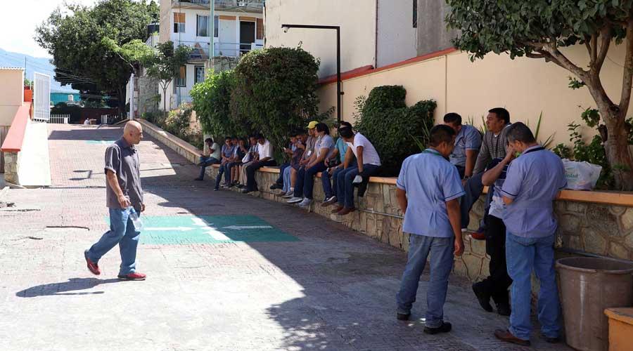 Paran camilleros del Hospital Civil en Oaxaca   El Imparcial de Oaxaca