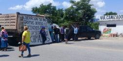 Comunidades del Istmo bloquean carretera