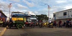 Motociclistas violan la ley en Tuxtepec