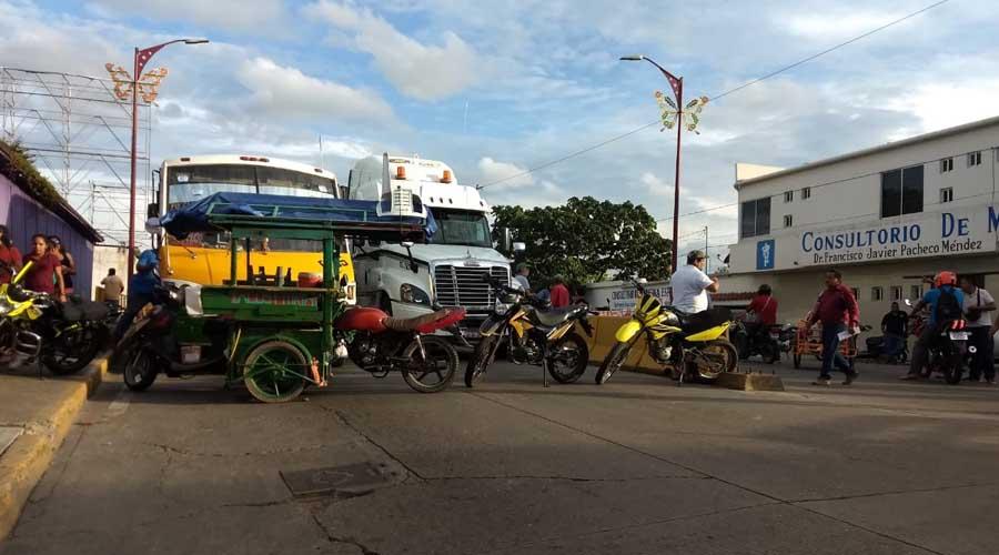 Motociclistas violan la ley en Tuxtepec | El Imparcial de Oaxaca