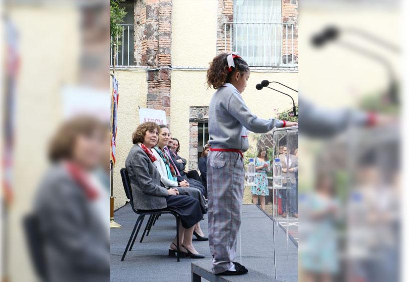 Niñas con pantalón y niños con falda, se verán en las escuelas de la CDMX | El Imparcial de Oaxaca