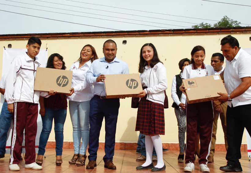 Refrenda Dante Montaño apoyo al sector educativo   El Imparcial de Oaxaca