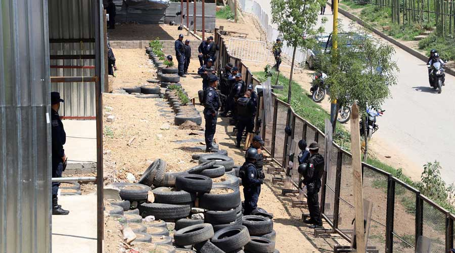 Mantienen operativo en playones del río Atoyac en Oaxaca