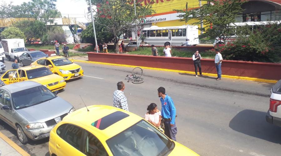 Roba una bici y es atropellado en Santa María Ixcotel