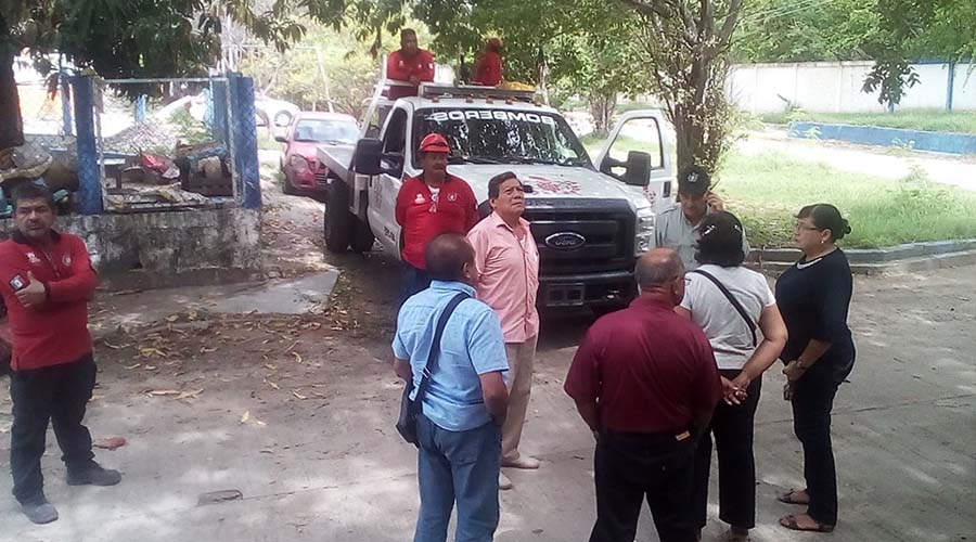 Habitantes de Salina Cruz se alarman por fuerte olor a combustible | El Imparcial de Oaxaca