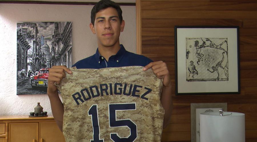 """Oaxaqueño pega """"home run""""; Dodgers de Los Ángeles lo tienen en la mira"""