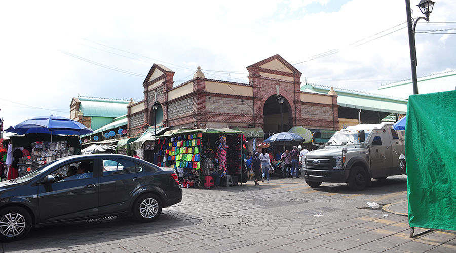 Locatarios del Mercado  Benito Juárez exigen  mayor vigilancia   El Imparcial de Oaxaca