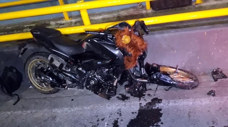 Derrapa motociclista en el cerro del Fortín, Oaxaca | El Imparcial de Oaxaca