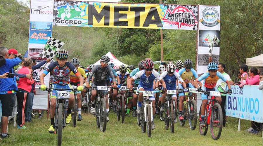 Pedro conquista Miahuatlán en el ciclismo de montaña