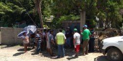 Podan árboles de escuela en Salina Cruz para prevenir accidentes