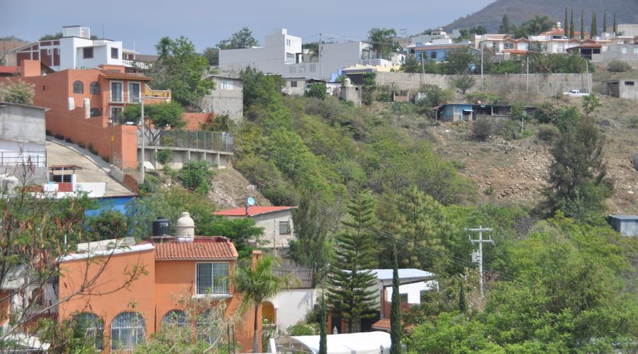 San Felipe del Agua, las mansiones ocultan las necesidades básicas