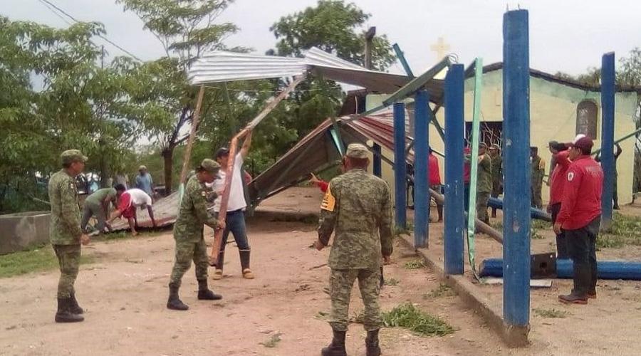 Tormenta con rachas de viento azota en Pochutla y Huatulco