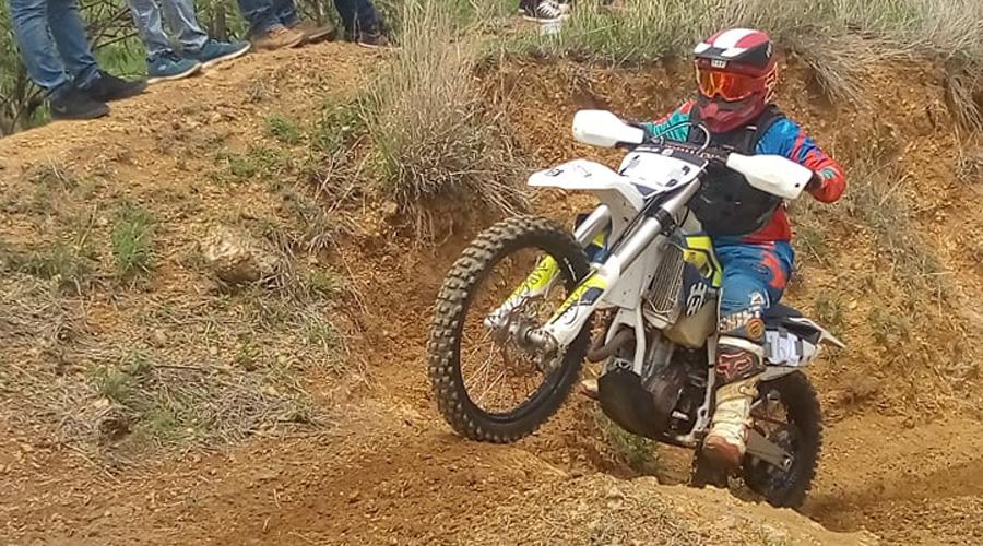 Triunfan los hermanos Blanco en la justa de motociclismo Enduro 2019
