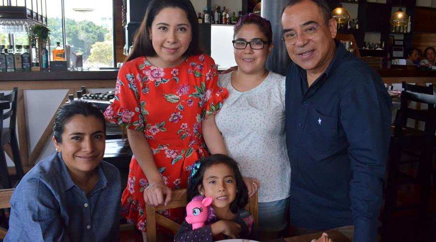 Almuerzo familiar | El Imparcial de Oaxaca