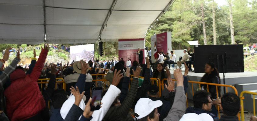 Aplica Obrador consulta a mano alzada en Atepec para terminar con pleitos y rechiflas | El Imparcial de Oaxaca