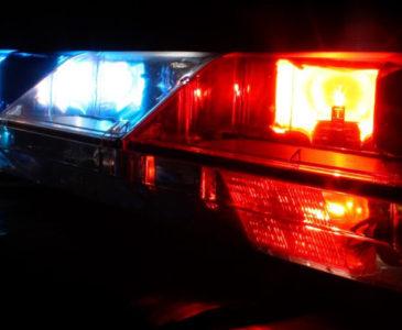 Reportan grave de salud a joven que volcó auto en carretera de Huajuapan