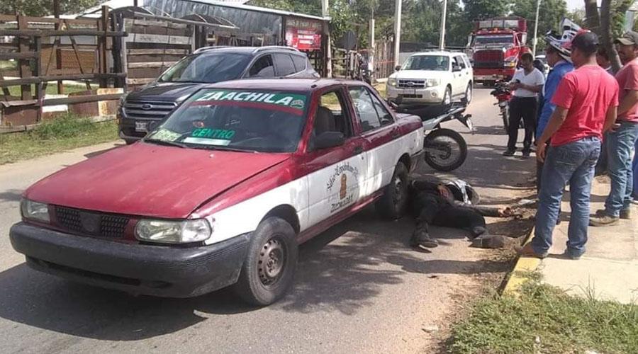 Motociclista se estampa contra taxi en carretera a Zaachila | El Imparcial de Oaxaca
