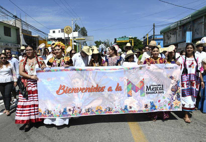 ¡Inaugurada la Feria del Mezcal en el CCCO!