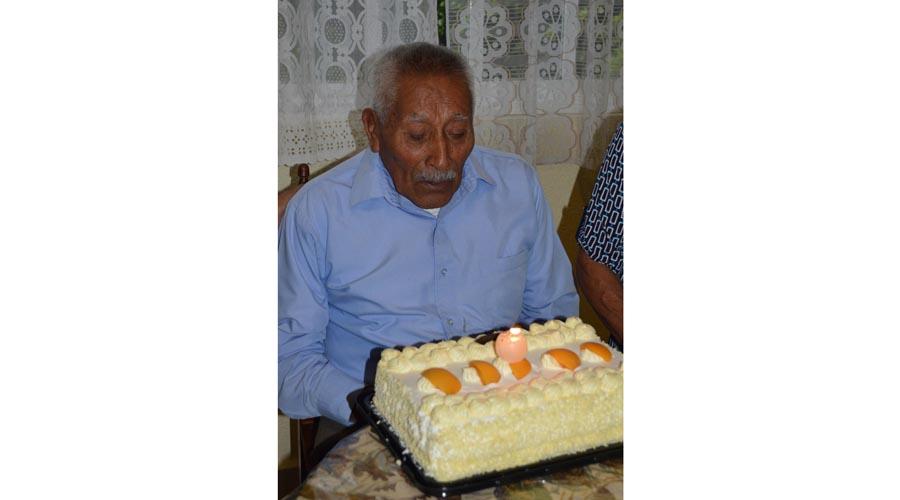 Don Daniel cumple 98 años