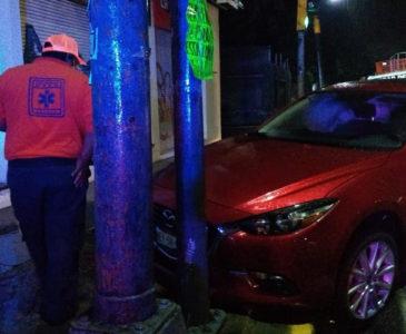 Borracho provoca aparatoso accidente en glorieta Lázaro Cárdenas