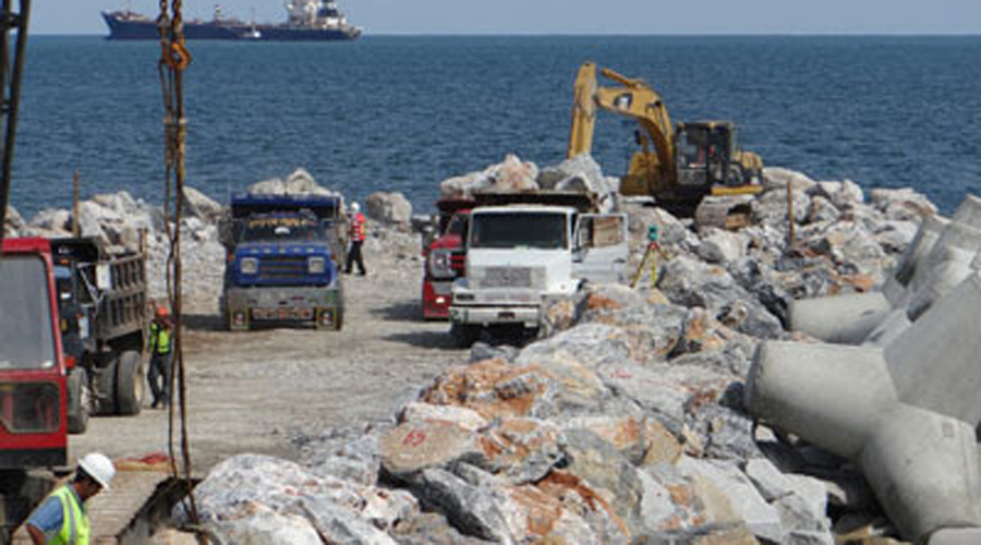 Sindicatos en disputa por la adjudicación de obras en Salina Cruz