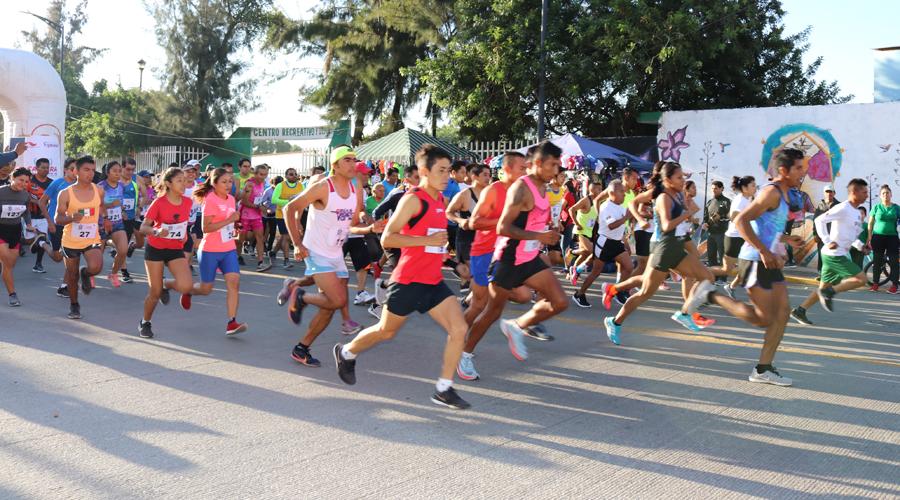 Más de 300 corredores participaron en la 1ª Carrera Atlética Guelaguetza 2019