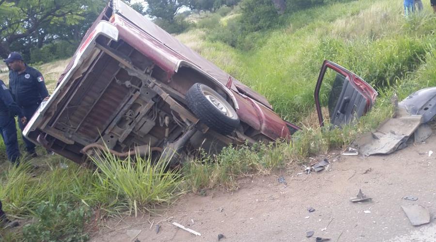Nueve personas lesionadas deja choque a la altura de San Juan Chilateca