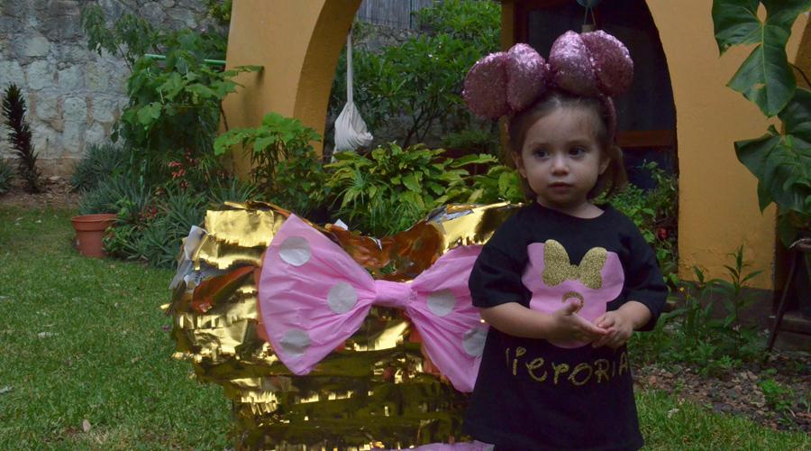 Victoria  cumple 2 años