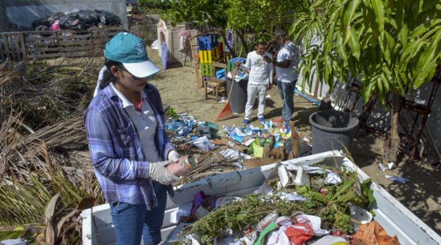 Limpian Huatulco previo al periodo vacacional