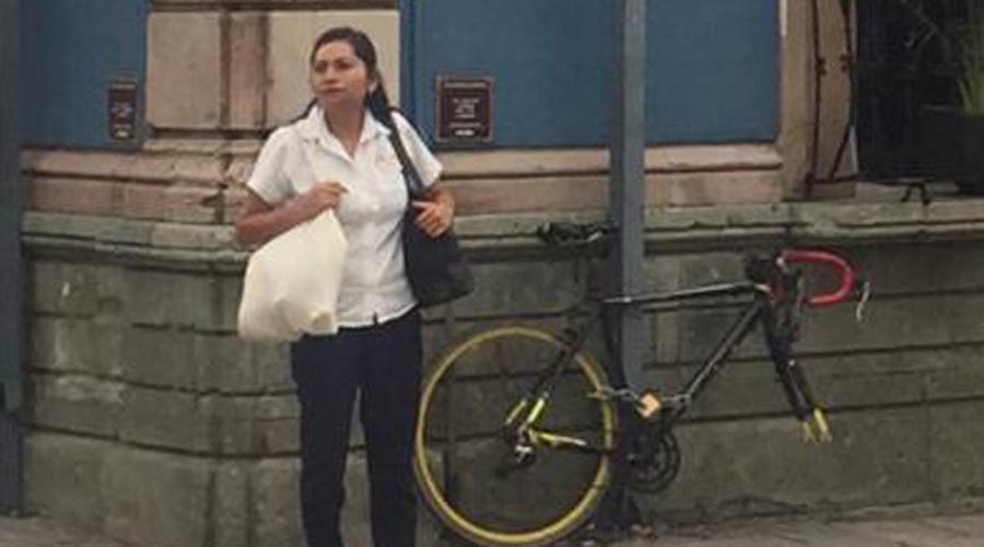 Dejan sin llanta a su 'bici' en avenida Juárez