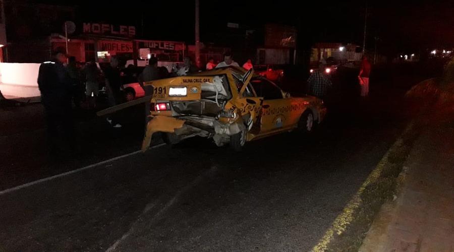 Una persona herida deja choque en Salina Cruz