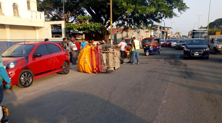 En  Juchitán choque en mototaxi deja una mujer herida