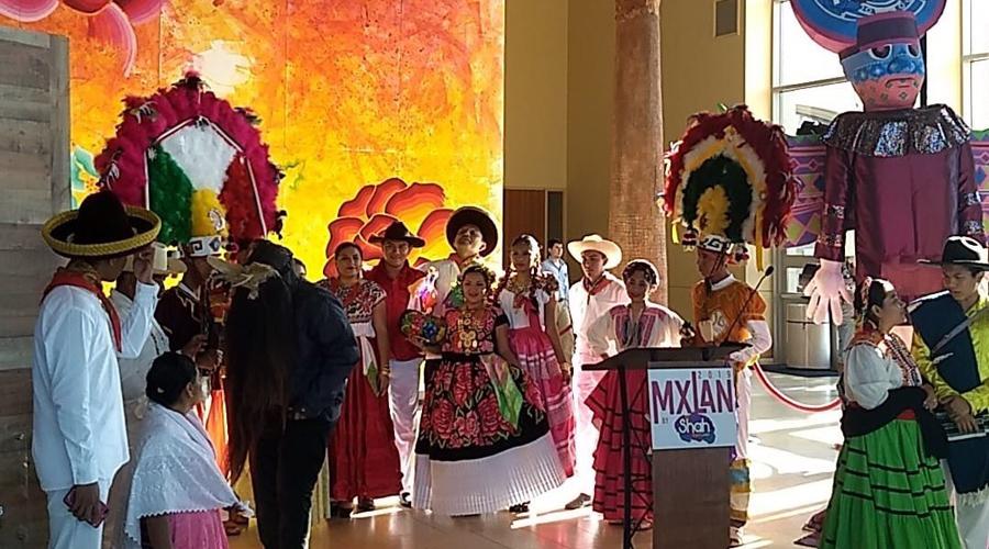 Artista oaxaqueño expone sus obras en McAllen Texas