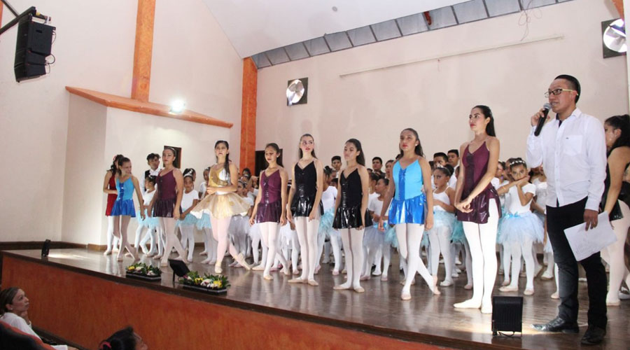 Ballet infantil certificado por la Academia de Londres