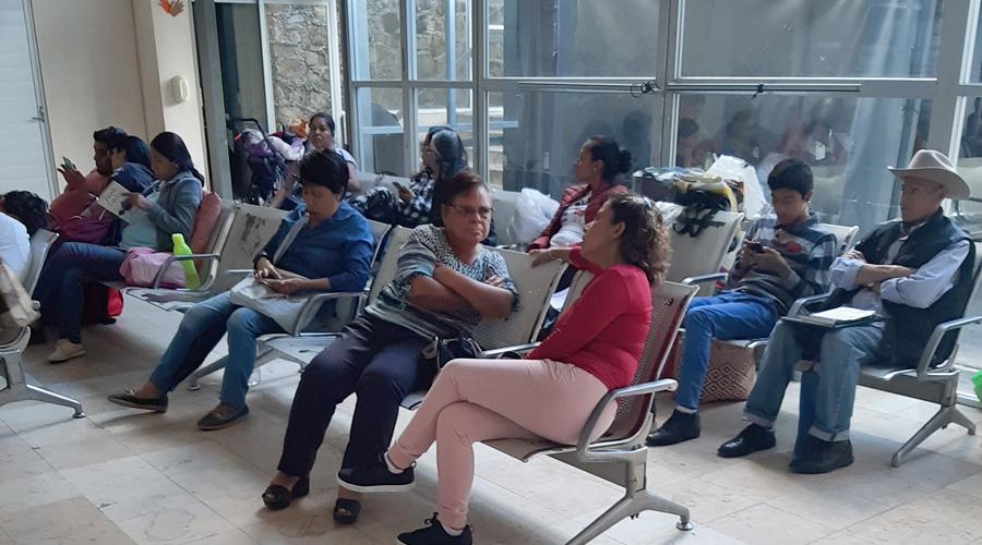 Agoniza ISSSTE de Oaxaca por gran demanda y escasez