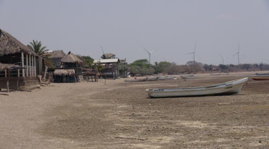 En el Istmo de Tehuantepec, la pesca a la deriva, sin productos y en el olvido
