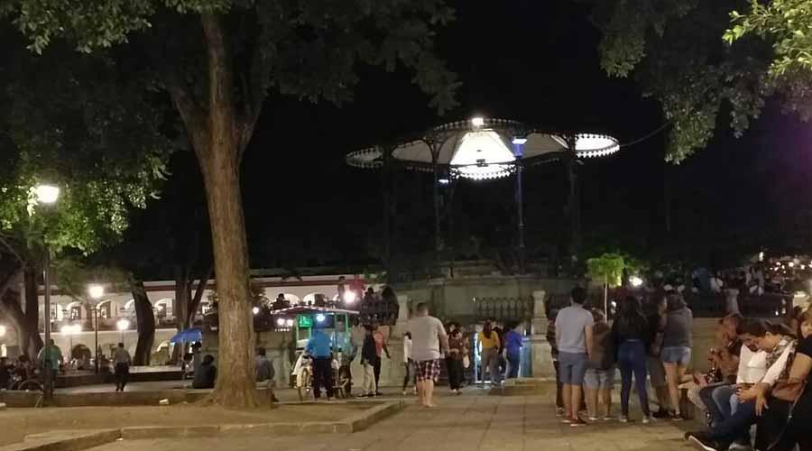 Desatienden iluminación del kiosco del Zócalo de Oaxaca | El Imparcial de Oaxaca