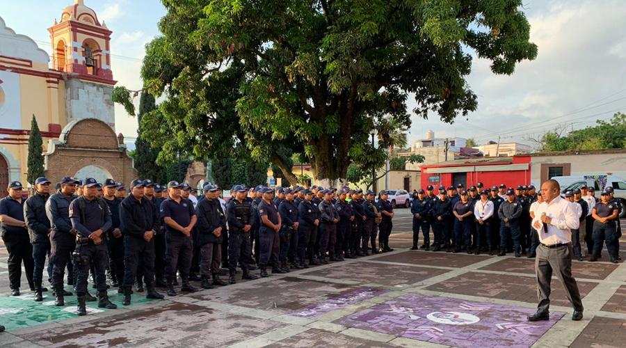 Anuncia Dante Montaño aumento salarial a policías de Santa Lucía | El Imparcial de Oaxaca