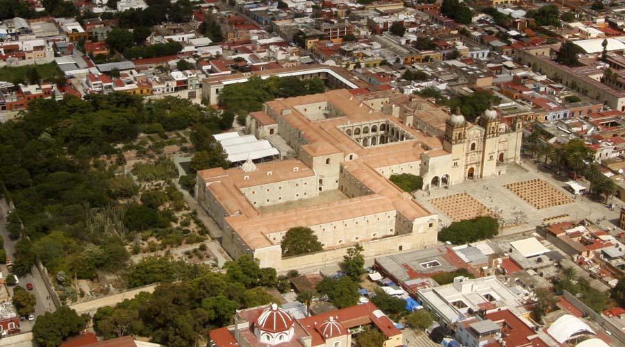 Olvido, pintas y ambulantaje ponen en riesgo el Patrimonio Cultural de Oaxaca