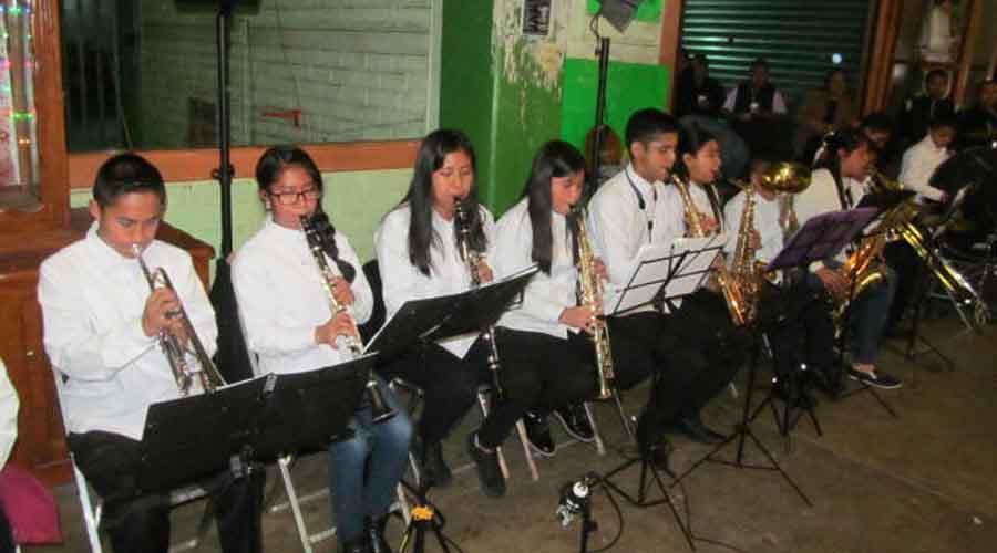 Exigen más compromiso de maestros de música en Huautla de Jiménez | El Imparcial de Oaxaca