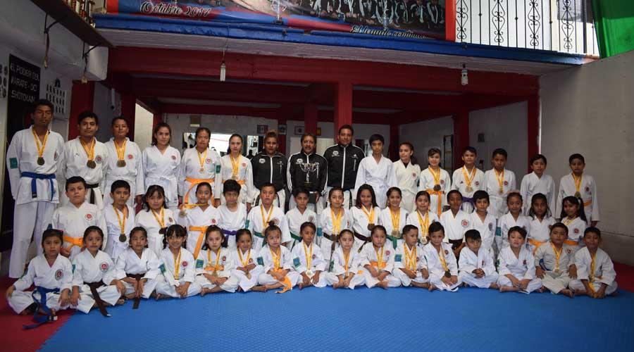 Exhiben su casta de campeones en la Copa de karate Bushido 2019