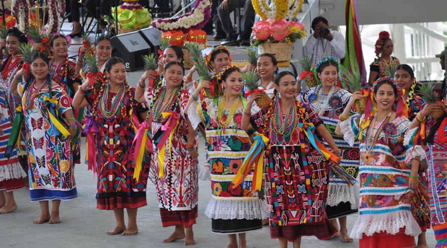 Brindan su Guelaguetza al mundo | El Imparcial de Oaxaca