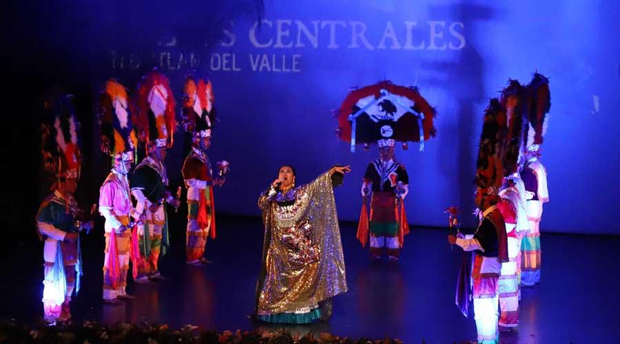 Teatro, danza y  música en fiestas  de Guelaguetza