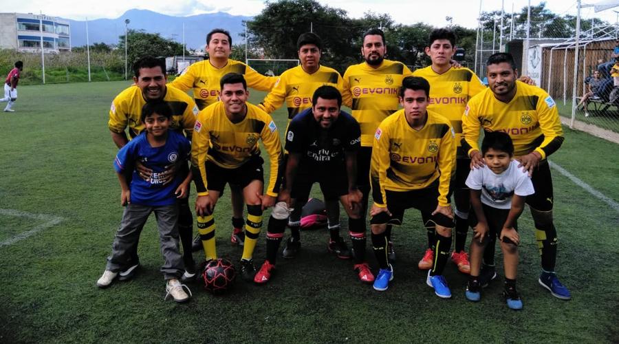 Tiburones y Tribucuates a la final del Torneo de Futbol 7 del STPJEO