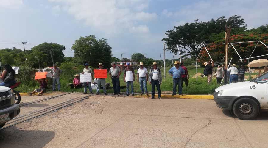 Bloquean vías férreas en protesta por el megaproyecto interoceánico del Istmo | El Imparcial de Oaxaca