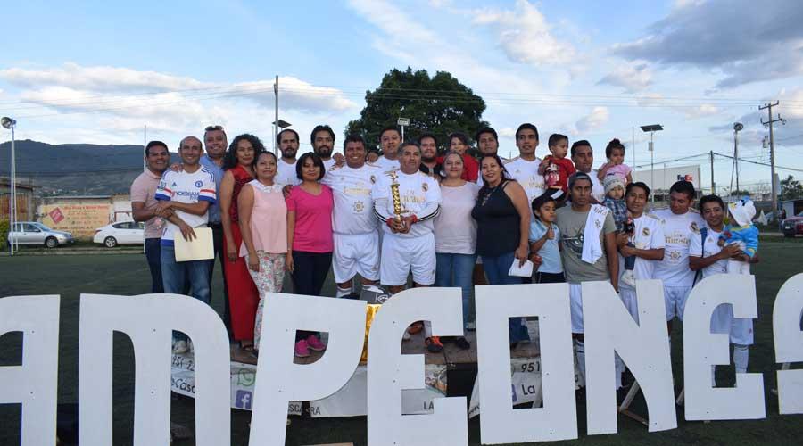 Tribucuates asume el trono del Torneo de Futbol 7
