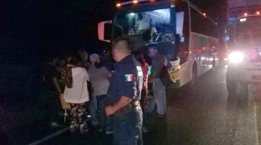 Secuestran autobús y asaltan a usuarios en Tehuantepec | El Imparcial de Oaxaca