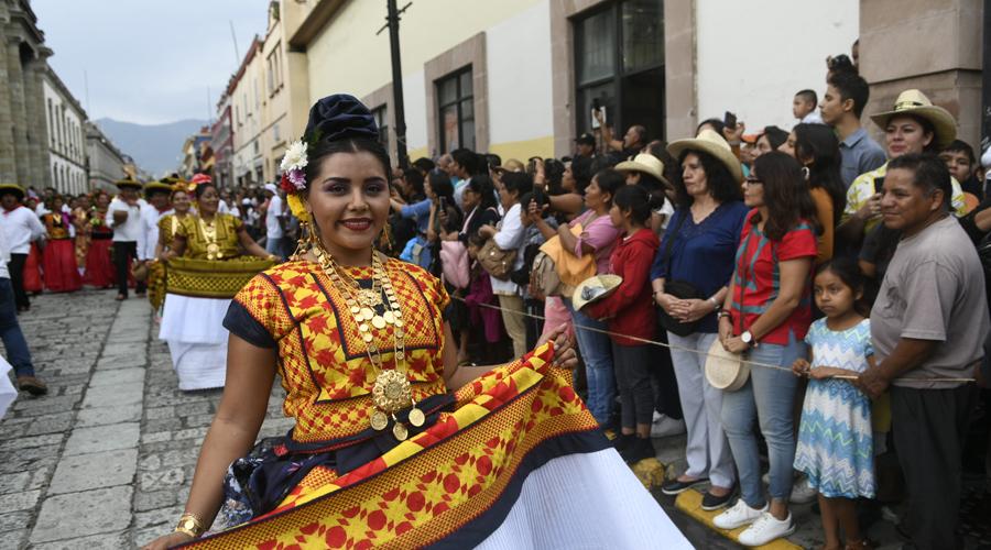 Mezcal, baile y Guelaguetza