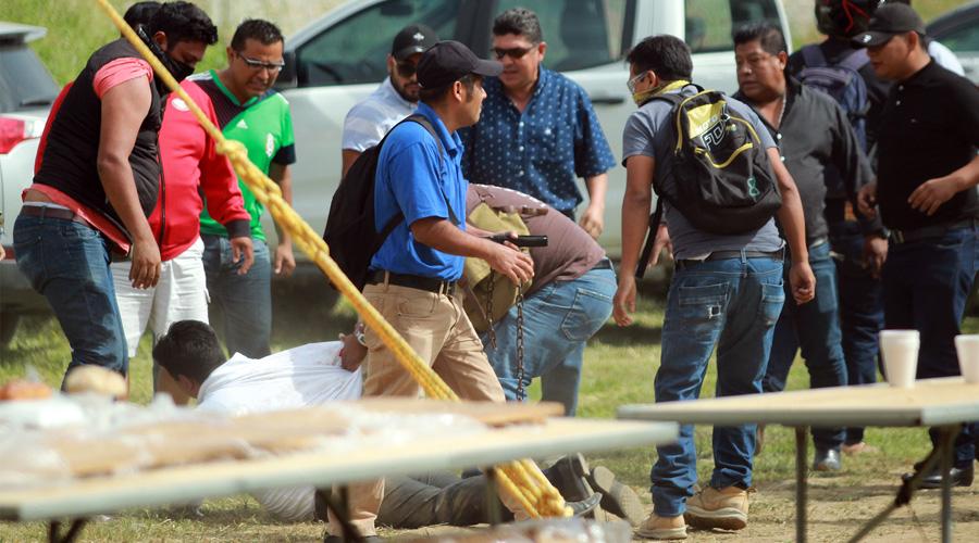 Profesores protagonizan zafarrancho contra Redes Sociales Progresistas (RSP)   El Imparcial de Oaxaca