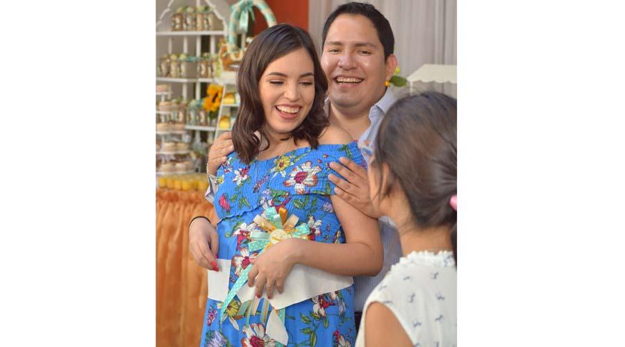 ¡Alejandra será mamá!